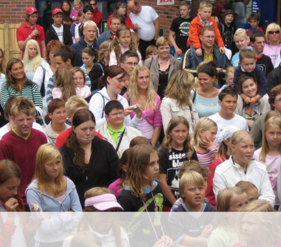 Fornøyd publikum på Askøy Foto: Unni Eiklid