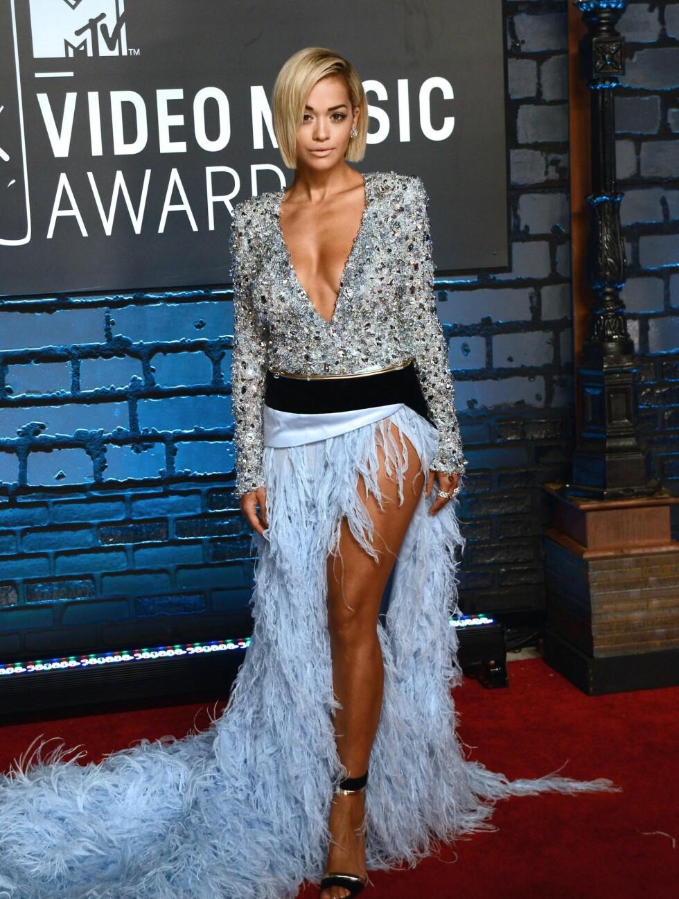 MTV MUSIC VIDEO AWARDS 2013: Sangfuglen Rita Ora viste både kløft og bein i sin Alexandre Vauthier Couture-kreasjon. Foto: REX/Henry Lamb/Photowire/BEI/All Over Press