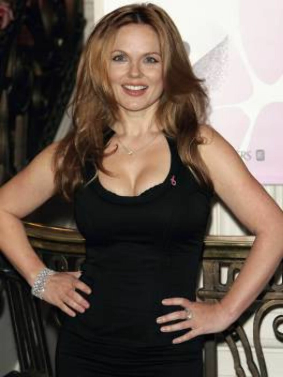 LONDON - OCTOBER 4:  Geri Halliwell arrives at the Breast Cancer Care 2006 Fashion Show at Grosvenor House, Park Lane October 4, 2006 in London, England. The annual fashion show aims to raise awareness of breast cancer as part of Breast Cancer Awareness M Foto: All Over Press