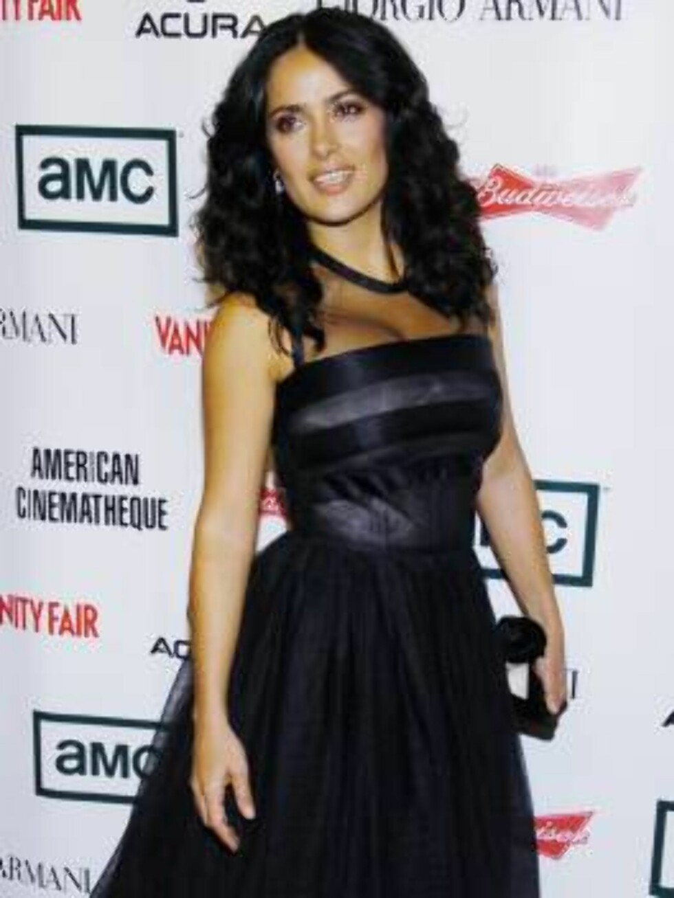 Actress Salma Hayek arrives for the 21st Annual American Cinematheque Award event honoring George Clooney, in Beverly Hills, Calif., Friday, Oct. 13, 2006. (AP Photo/Chris Pizzello) Foto: AP