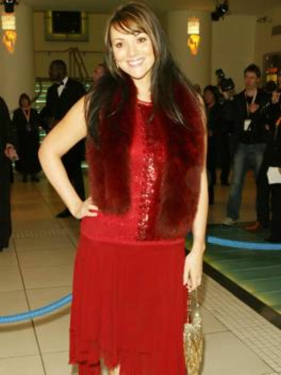 """LONDON - FEBRUARY 15: (UK NEWSPAPERS OUT) Actress Martine McCutcheon arrives at the """"The Orange British Academy Film Awards"""" at The Odeon Leicester Square on February 15, 2004 in London. (Photo by Dave Hogan/Getty Images)    / ALL OVER PRESS *** Local Foto: All Over Press"""