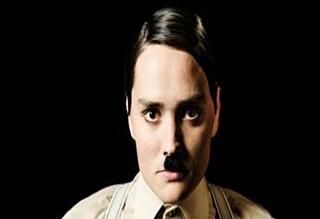 Halvbroren blir Hitler