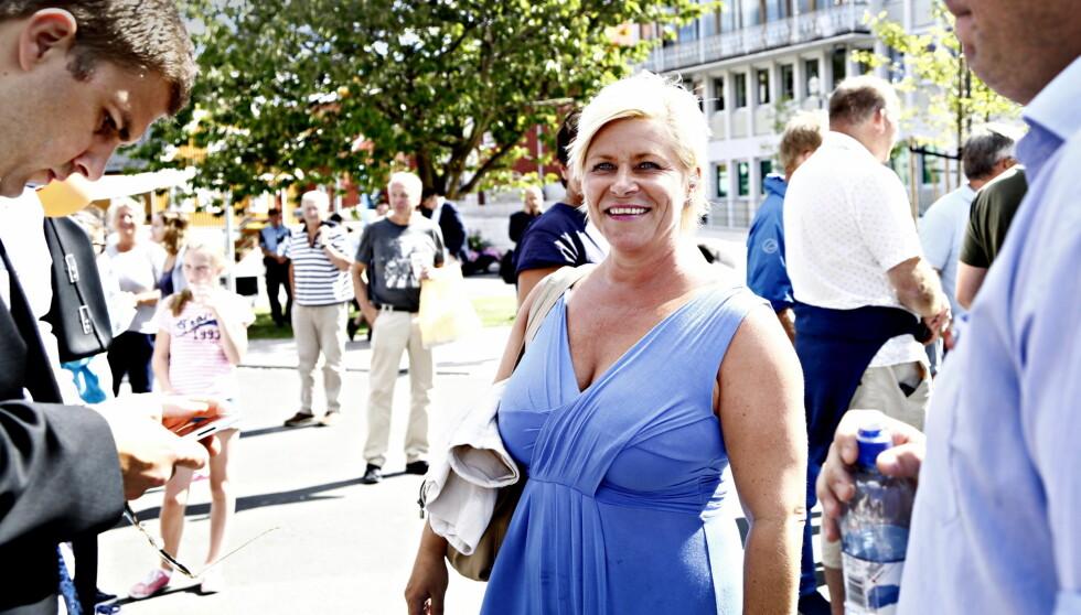 BRØT FORLOVELSEN: Siv Jensen er for tiden travelt opptatt med valgkamp. Nå snakker hun også om tapt kjærlighet.  Foto: NTB scanpix
