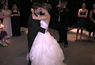 Her danser de bryllupsvalsen