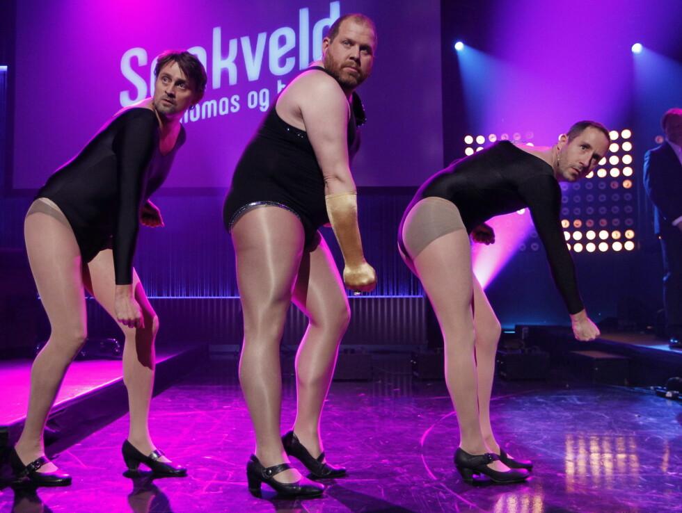 HUMORGJENG: Harald Rønneberg med Thomas Numme og Truls Svendsen under TV 2 høstlansering i 2011. Trioen danset til rytmene fra Beyoncés suksesslåt «Single Ladies». Foto: NTB scanpix