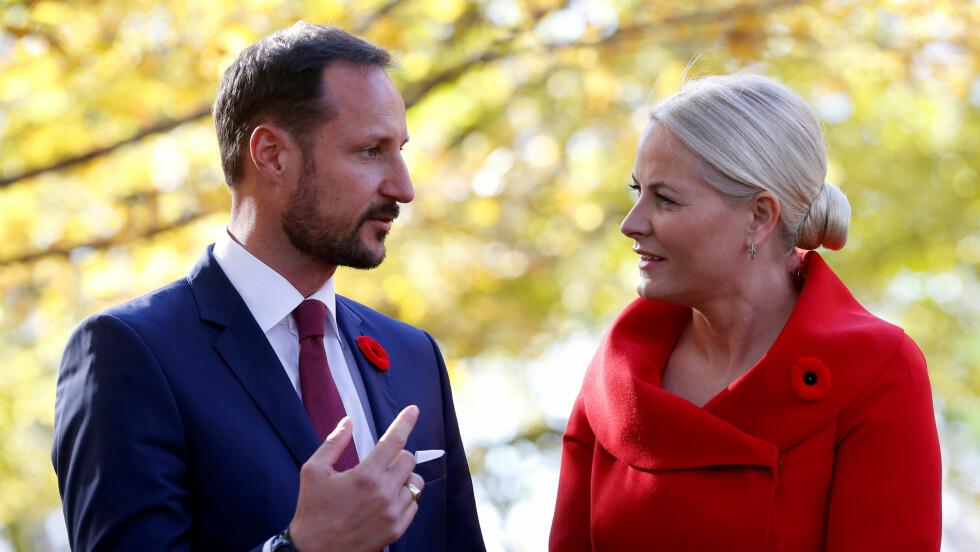 OTTAWA: Kronprins Haakon og kronprinsesse Mette-Marit besøkte i dag Rideau Hall i Ottawa i Canada. Foto: Reuters