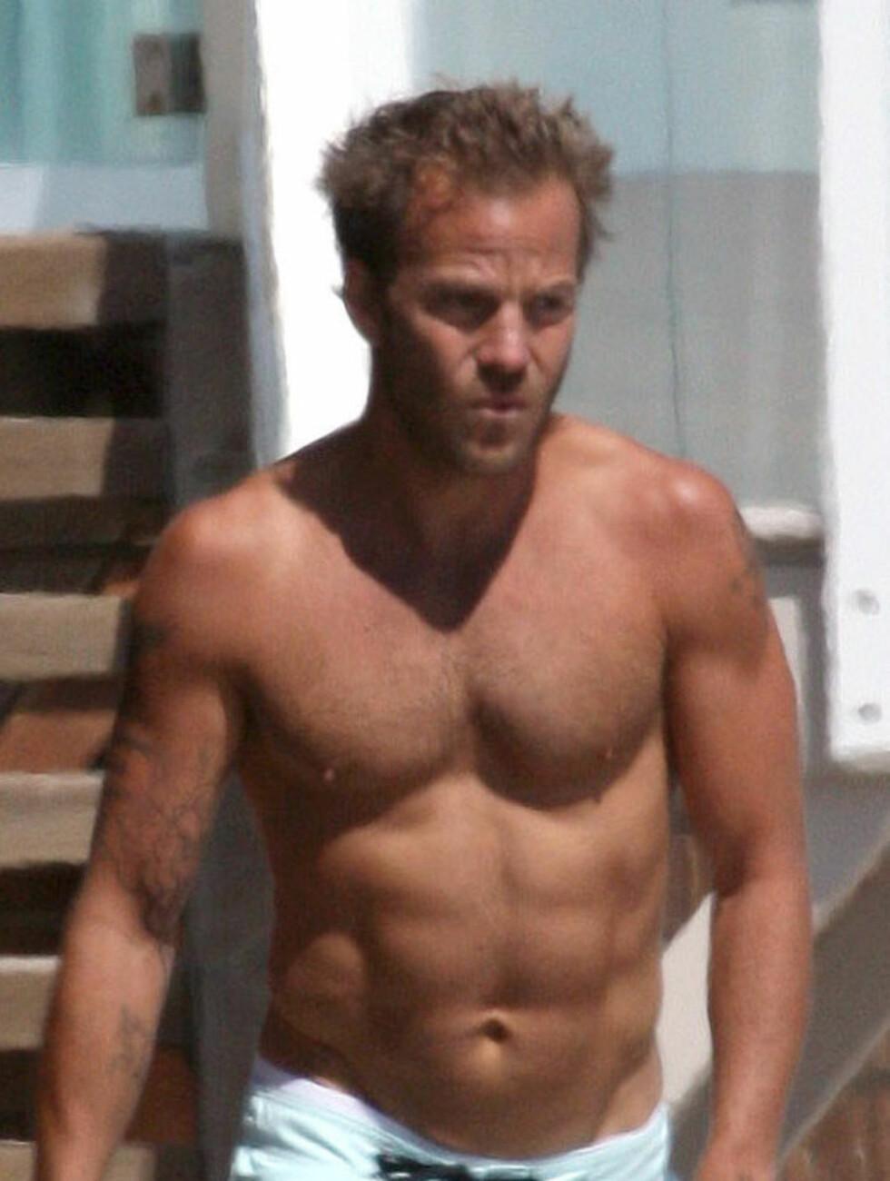 SIX-PACK: Stephen Dorff er kanskje ikke like hot som skuespiller lenger, men på stranda er det få som kan matche magemusklene til 39-åringen. Foto: STELLA PICTURES