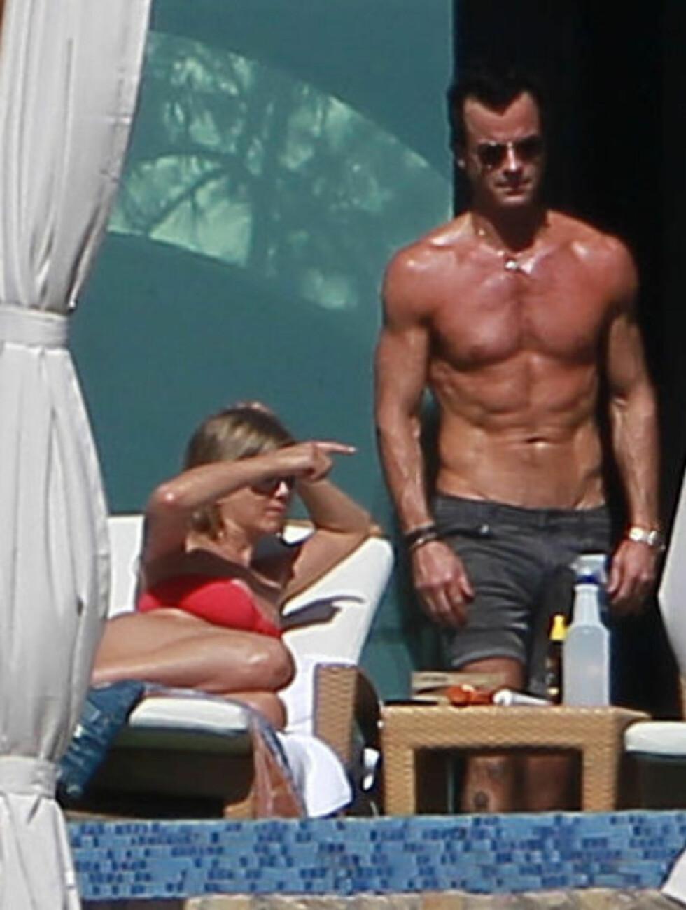 BEDRE TRENT ENN BRAD?: Jennifer Anistons forlovede Justin Theroux har definitivt magemusklene i orden. Foto: Stella Pictures