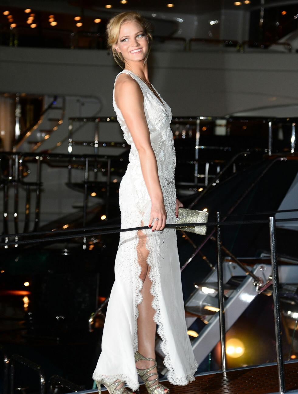 LEOS EKS: Leonardo DiCaprios eks-kjæreste - undertøysmodellen Erin Heatherton var vakker i en lang, hvit blondekjole.  Foto: All Over Press
