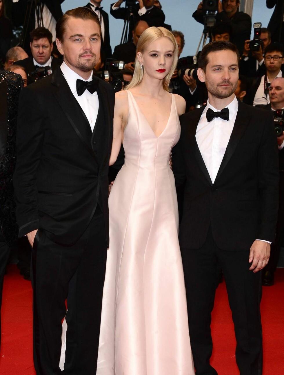 ÅPNINGSFEST: «The Great Gatsby»-kollegene Leonardo DiCaprio, Carey Mulligan og Tobey Maguire ankom rød løper i Cannes sammen onsdag kveld. Foto: All Over Press