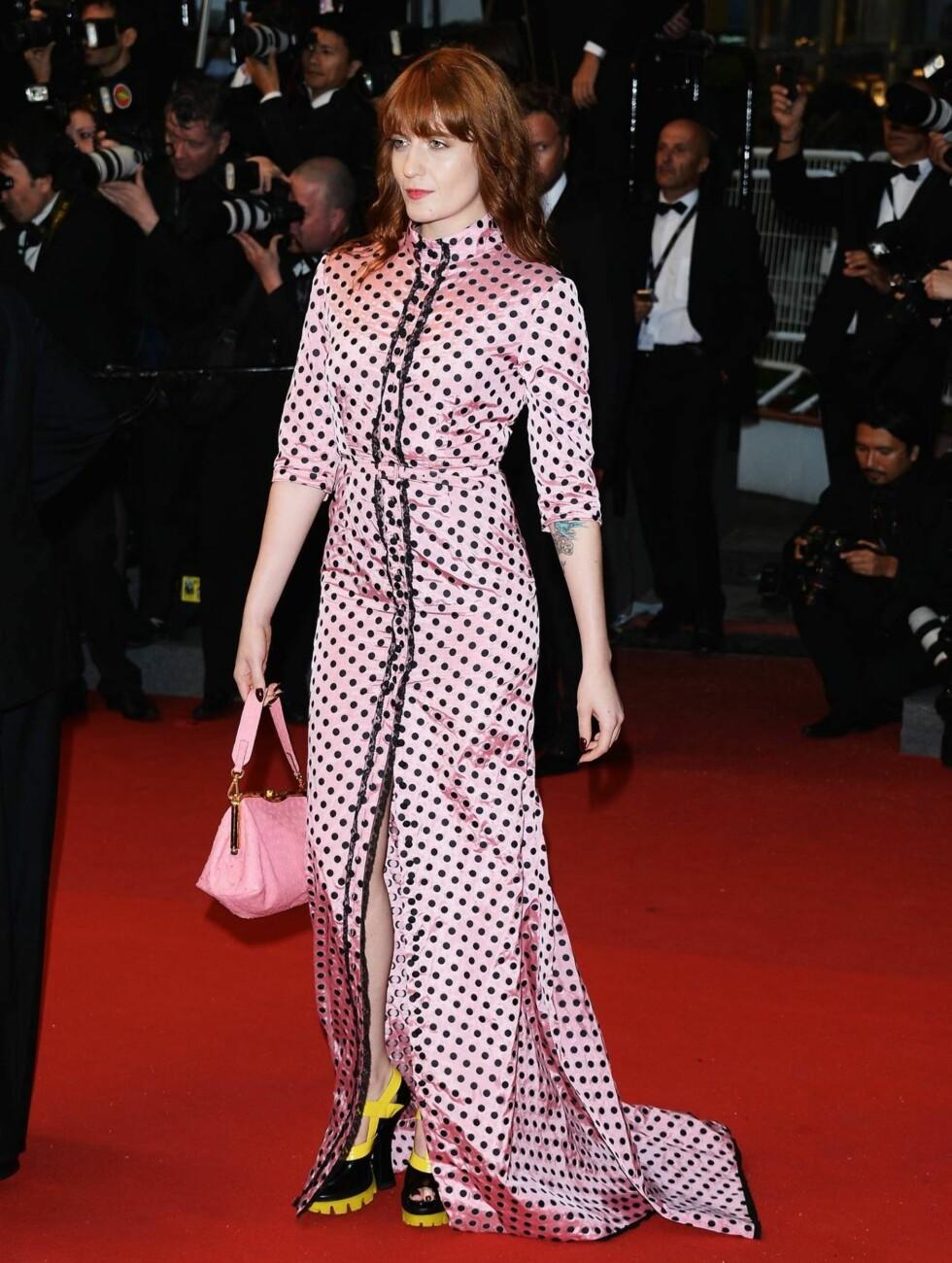 CANNES: Sanger Florence Welch sto for kveldens kanskje mest alternative bekledning... Foto: All Over Press