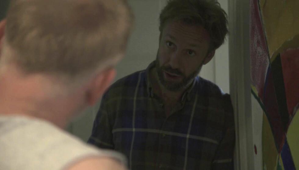 OVERRASKELSE: Thomas Giertsen havner i en svært uventet samtale med Trond Espen Seim i onsdagens episode av «Helt perfekt». Foto: TVNorge