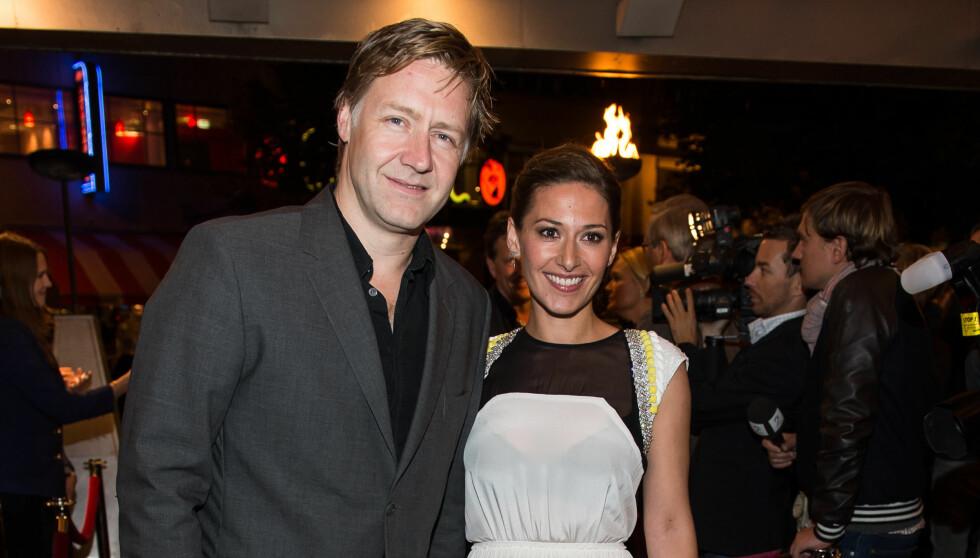 PREMIERE: Pia Tjelta og samboeren Mads Ousdal - som begge spiller i filmen - under Norgespremieren på «90 Minutter» i september i fjor. Foto: Stella Pictures