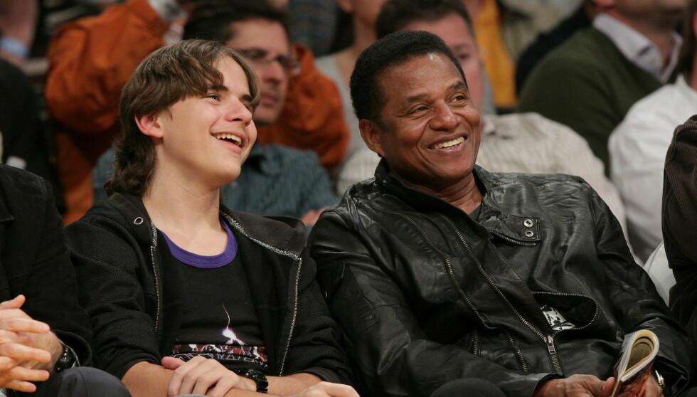 LYKKELIG: Avdøde Michael Jacksons eldste sønn Prince og søsknene har det ifølge Jackie Jackson veldig bra. Foto: All Over Press
