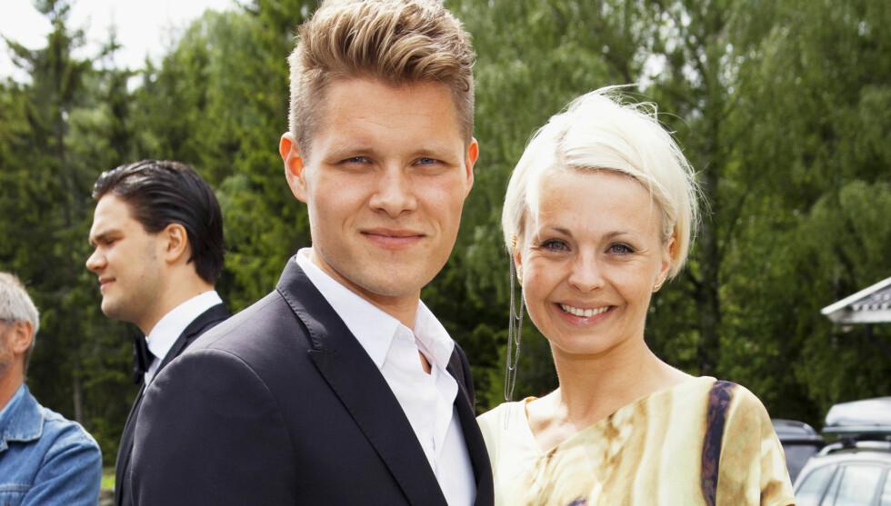 FLYTTER: Marthe Sveberg og ektemannen Håvard Bjørshol selger leiligheten og håper å finne en ny bolig med litt større plass. Foto: Espen Solli/Se og Hør