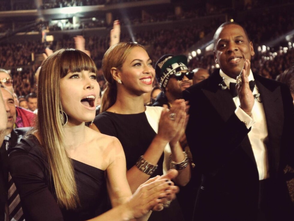 GOD STEMNING: Jessica Biel, Beyoncè og Jay-Z koste seg sammen på Grammy-utdelingen søndag kveld. Foto: All Over Press