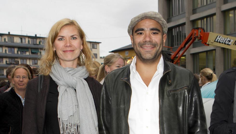 FIKK SØNN NUMMER TO: Komiker Johan Golden og kona Tuva Hølmebakk fikk natt til fredag sin andre sønn. Foto: Stella Pictures