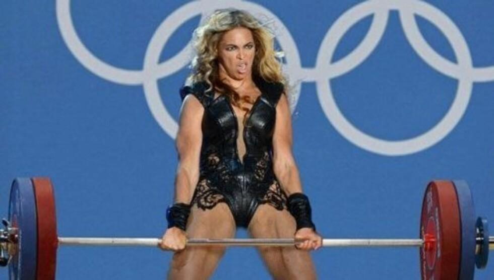 MUSKELBUNT: Beyoncé viste muskler på scenen under Super Bowl - noe en internettbruker har tatt bokstavelig, og lagde dette manipulerte bildet. Foto: The Chieve