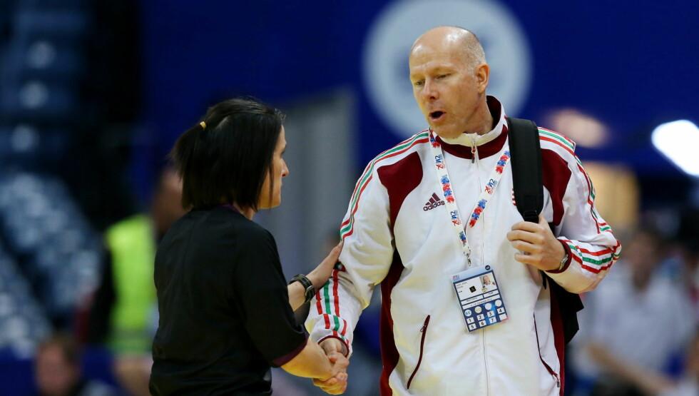 ALVORLIG SYK: Karl Erik Bøhn har fått diagnosen blodkreft og er sykmeldt fra jobben som trener for det ungarske kvinnelandslaget i håndball. Foto: NTB Scanpix