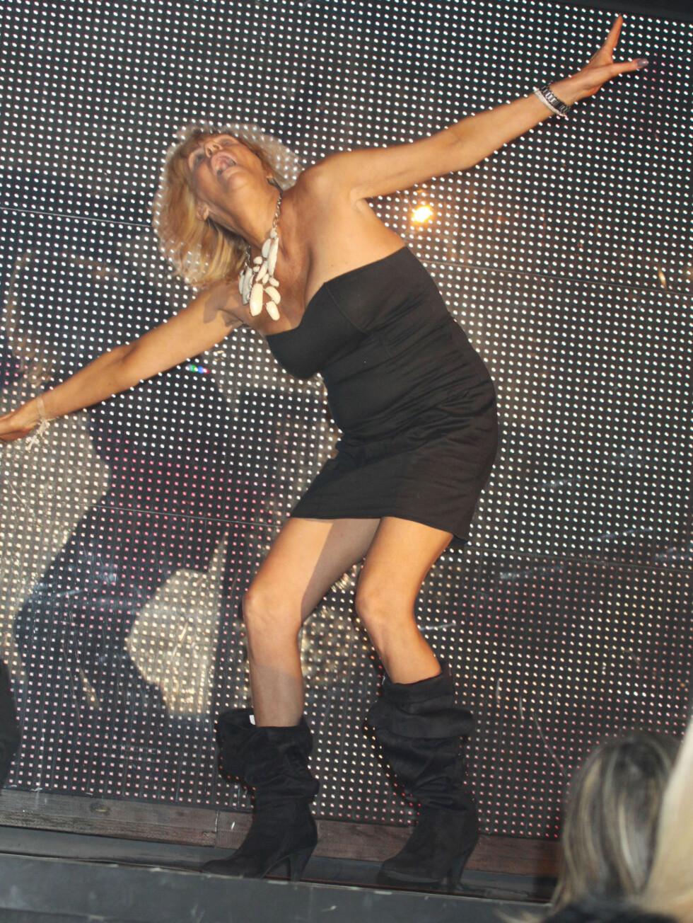 DANS: 45-åringen danset til publikums store begeistring.  Foto: FameFlynet Sweden