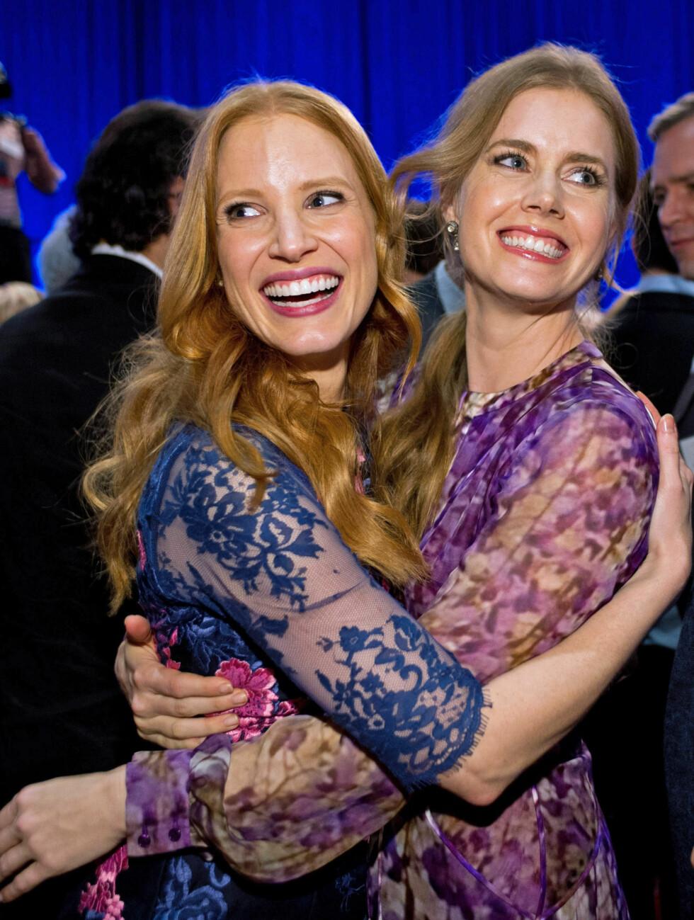 PÅ OSCAR-LUNSJ: Jessica Chastain og Amy Adams. Foto: Stella Pictures