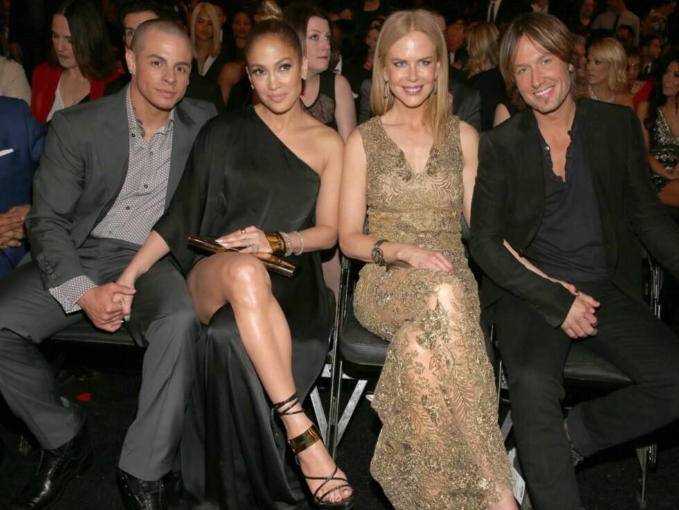 GOD STEMNING I SALEN: Jennifer Lopez og hennes kjæreste Casper Smart satt ved siden av Hollywood-stjernen Nicole Kidman og hennes ektemann, countrystjernen Keith Urban. Foto: All Over Press