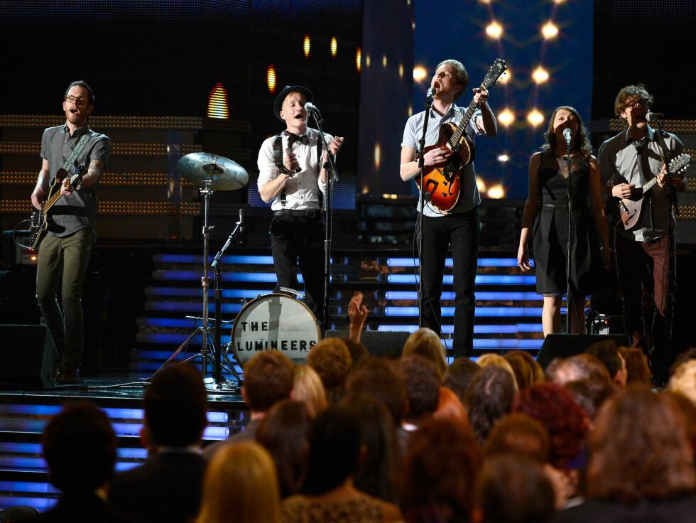 SPILTE FOR KOLLEGENE: Bandet Lumineers fikk også muligheten til å vise seg fram under Grammy-utdelingen. Foto: All Over Press