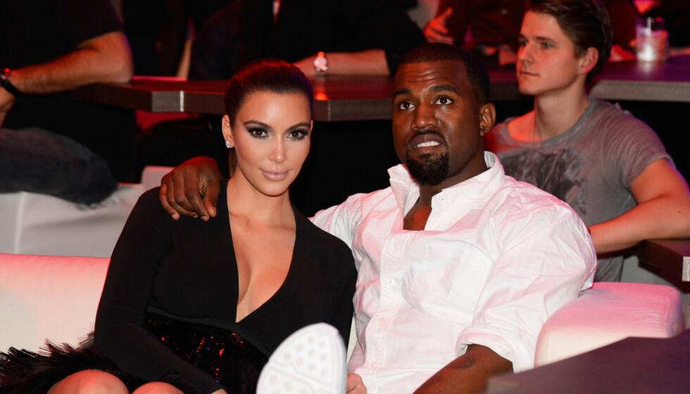 VENTER BARN: Kim Kardashian og Kanye West er  i lykkelige omstendigheter, og venter sitt første barn sammen. Men nå trurer utroskapsrykter forholdet. Foto: All Over Press