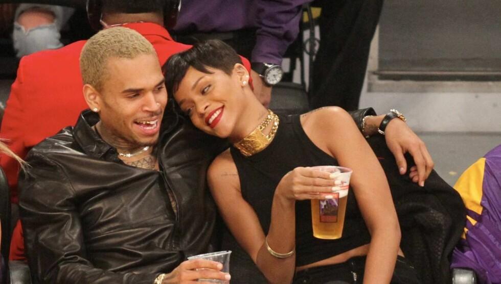 VIL IKKE GI SLIPP: Chris Brown og Rihanna tilbringer masse tid sammen, men har foreløpig ikke bekreftet at de har blitt kjærester igjen. Foto: All Over Press