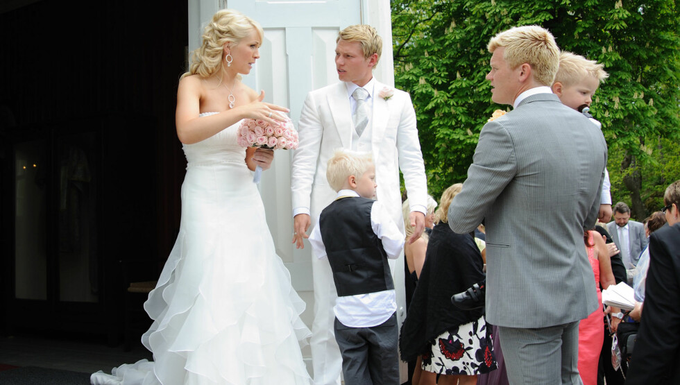 <strong>GODT GIFT:</strong> I 2010 giftet Bjørn Helge Riise seg med barndomskjæresten Lena Jenssen i Holmsbu kirke i Hurum. Foto: Stella Pictures