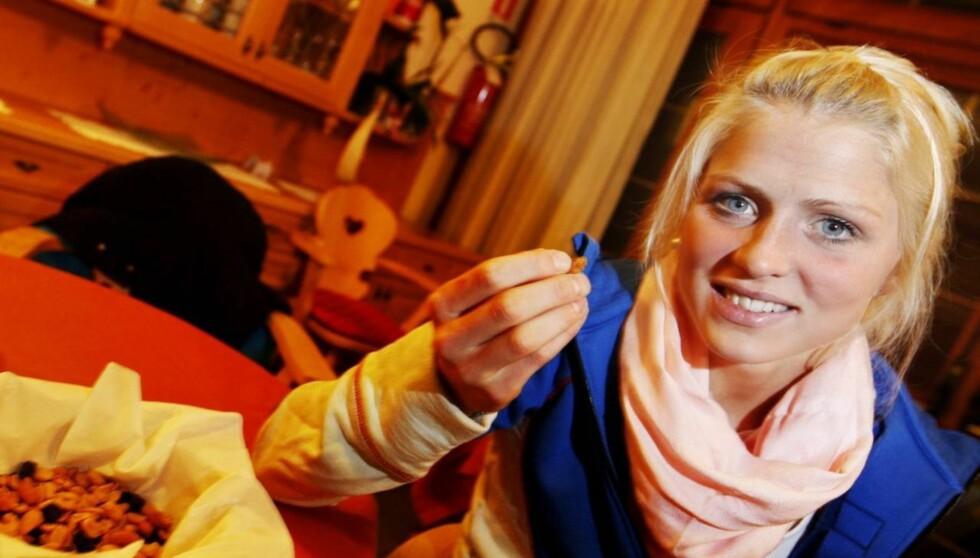 SLET MED MATINNTAKET: Skistjernen Therese Johaug sier til VG at hun i år har jobbet hardt med å få i seg nok mat på tøffe treningssamlinger. Foto: SCANPIX