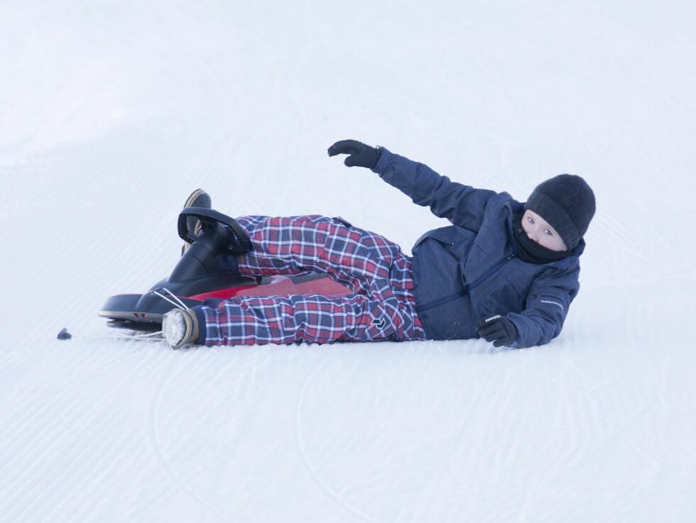 KNALL OG FALL: Prins Christian akte til ære for fotografene, men det hele endte med knall og fall. Foto: UK Press