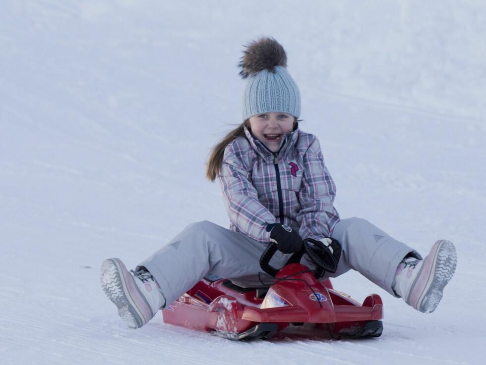 UNNA VEI: En pastellkledd prinsessen koste seg i farta, og var åpenbart lykkelig for at vinterferien endelig var der!