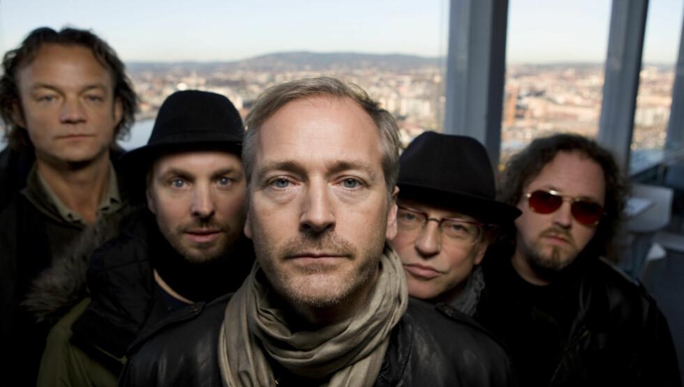 GITARISTEN DØDE: Morten Mølster (nummer to fra høyre) er død. Resten av bandet består av Helge Hummervold, Morten Abel, Gulleiv Wee og Stene Osmundsen. Foto: NTB scanpix