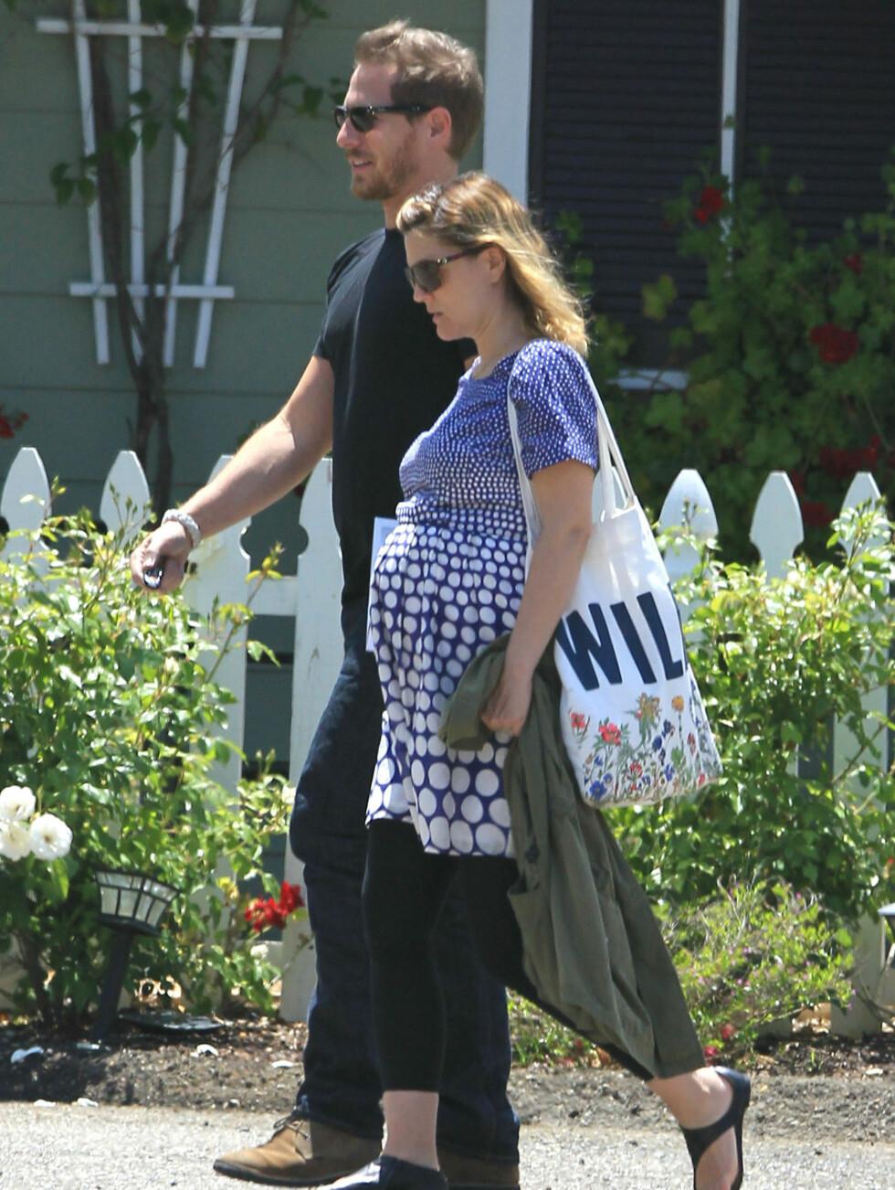 GRAVID: Drew Barrymore fødte lille Olive 26. september i fjor. Foto: Stella Pictures