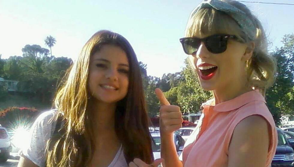 LIKE BARN LEKER BEST: Både Selena Gomez og Taylor Swift ble single i januar og begge jentene har datet kjendisgutter som er yngre enn seg selv. Foto: FAME FLYNET