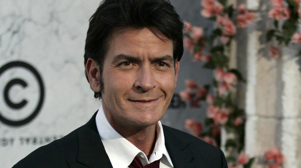 GOD GJERNING: Nå hjelper Charlie Sheen den drepte fotografens familie med å betale for begravelsen.  Foto: Fame Flynet