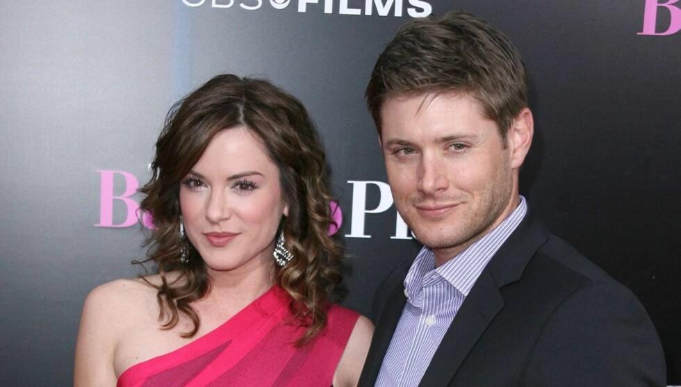 BABYLYKKE: Jensen Ackles og kona Danneel Harris gleder seg til å bli mor og far. Foto: All Over Press