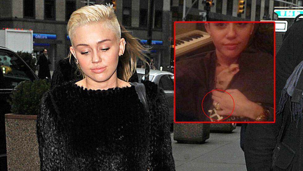 VISTE SEG MED RING: Cyrus la ut det innfelte bildet på sin egen Twitter-side. Der viser hun seg med en stor ring på ringfingeren. Foto: FameFlynet / Twitter