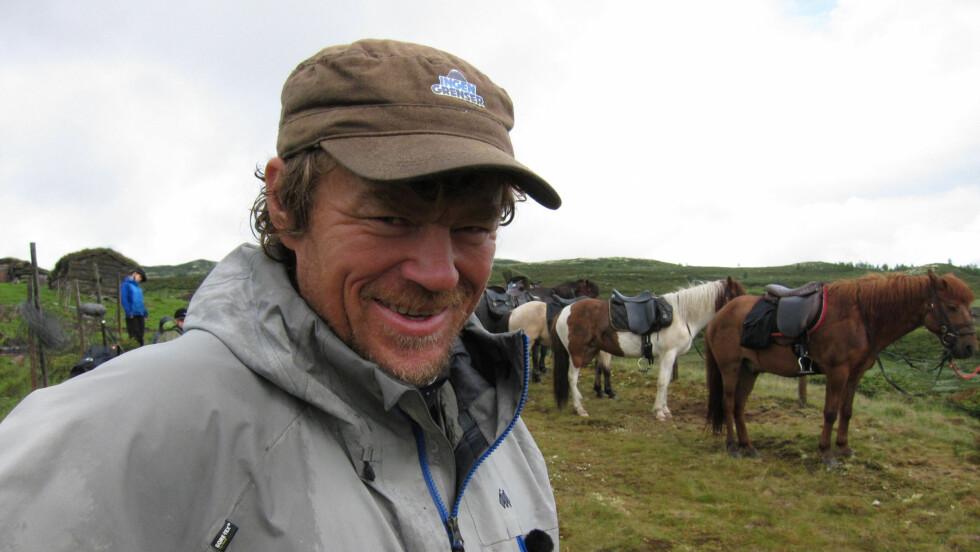 LEVDE MED SMERTER: Lars Monsen levde i en lengre periode med konstante smerter. Nå blir det til en dokumentar på NRK. Foto: NRK