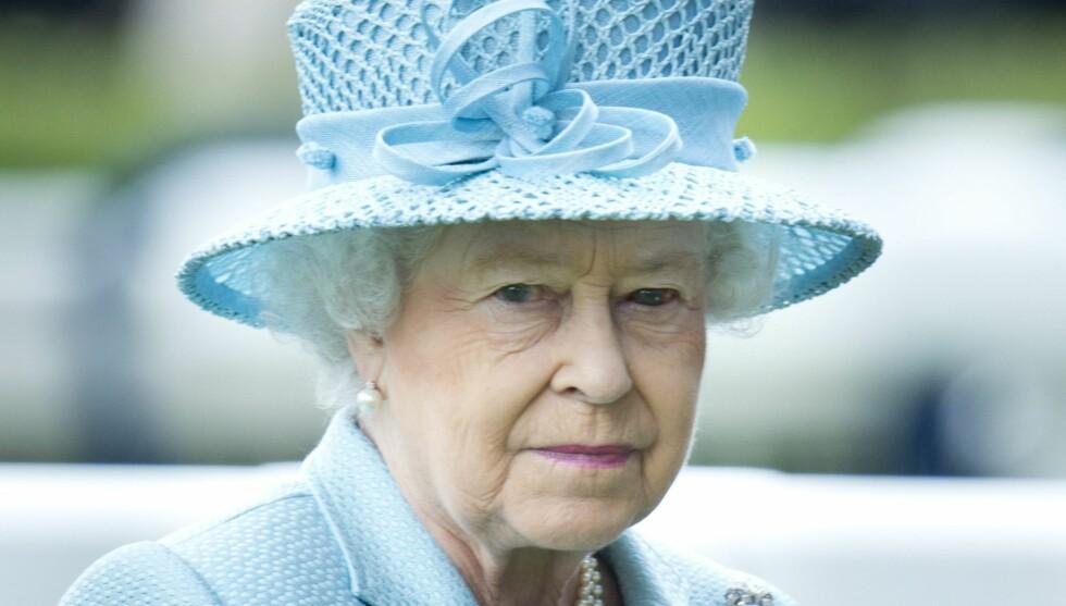 VISER MEDFØLELSE: Dronning Elizabeth utdyper sin medfølelse ovenfor amerikanerne i forbindelse med skolemassakren i Newtown. Foto: All Over Press