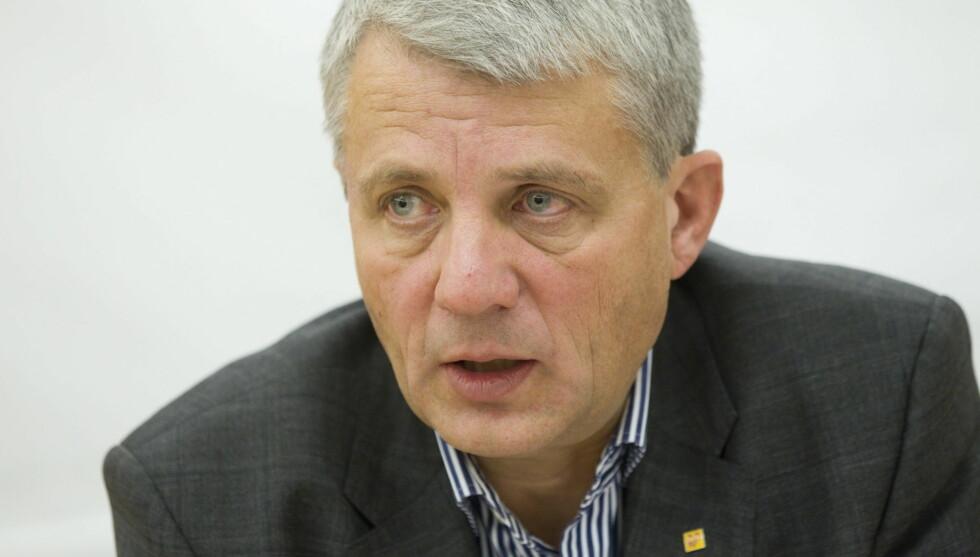 I SJOKK: KrF-politiker Dagfinn Høybråten brukte flere år på å virkelig bearbeide sorgen etter pappa Per Høybråtens bortgang i 1990. Da var Dagfinn knapt 32 år gammel. Foto: NTB scanpix