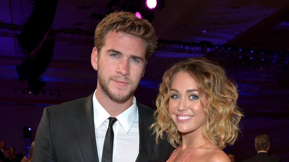 EN SKULDER Å GRÅTE PÅ: Forhåpentligvis får Miley Cyrus trøst av forloveden Liam Hemsworth. Foto: All Over Press