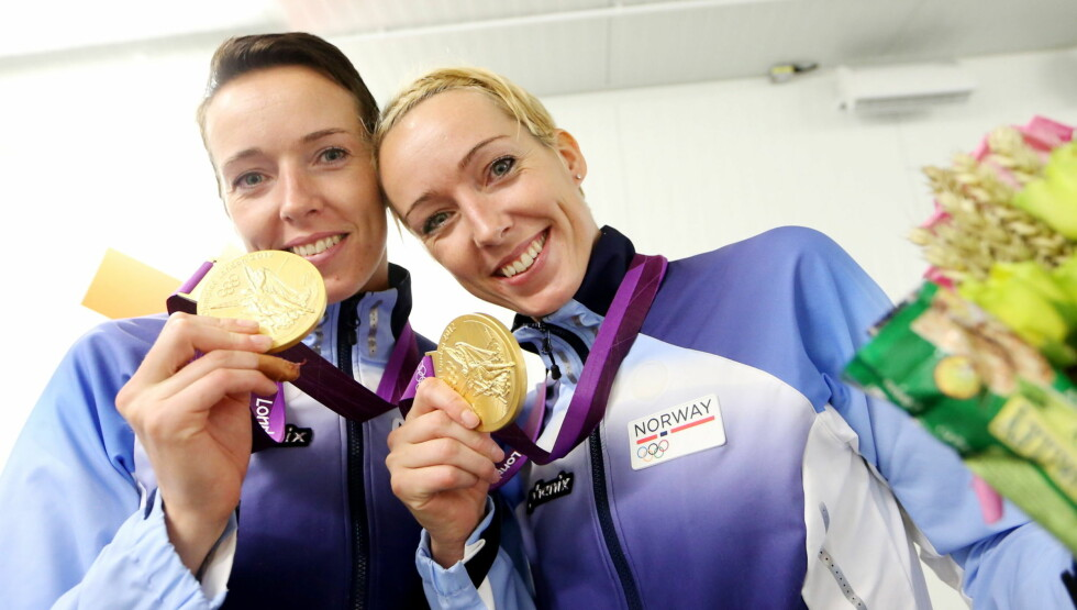 GULLJENTER: Katrine Lunde Haraldsen og tvillingsøsteren Kristine Lunde-Borgersen (t.v) kunne i sommer feire gull i London-OL. Foto: NTB scanpix