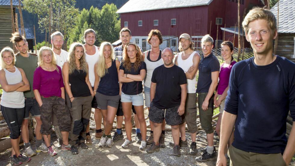 HEKTISKE UKER: 14 deltagere var med fra start av i årets «Farmen». Nå er det bare seks igjen... Foto: TV 2