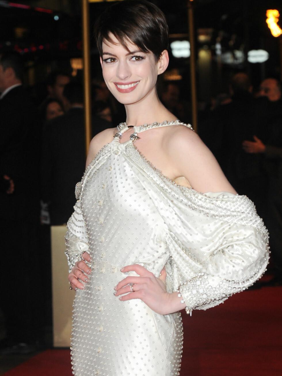 «LES MISERABLES» PREMIERE I LONDON: Anne Hathaway Foto: Stella Pictures