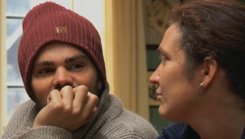 FIKK KRITIKK: - For meg blir du bare en luring. Jeg føler jeg ikke vet helt hvor jeg har deg hen, sa storbonden Joar Søhoel til Jon Lundemoen i onsdagens «Farmen». Foto: TV 2