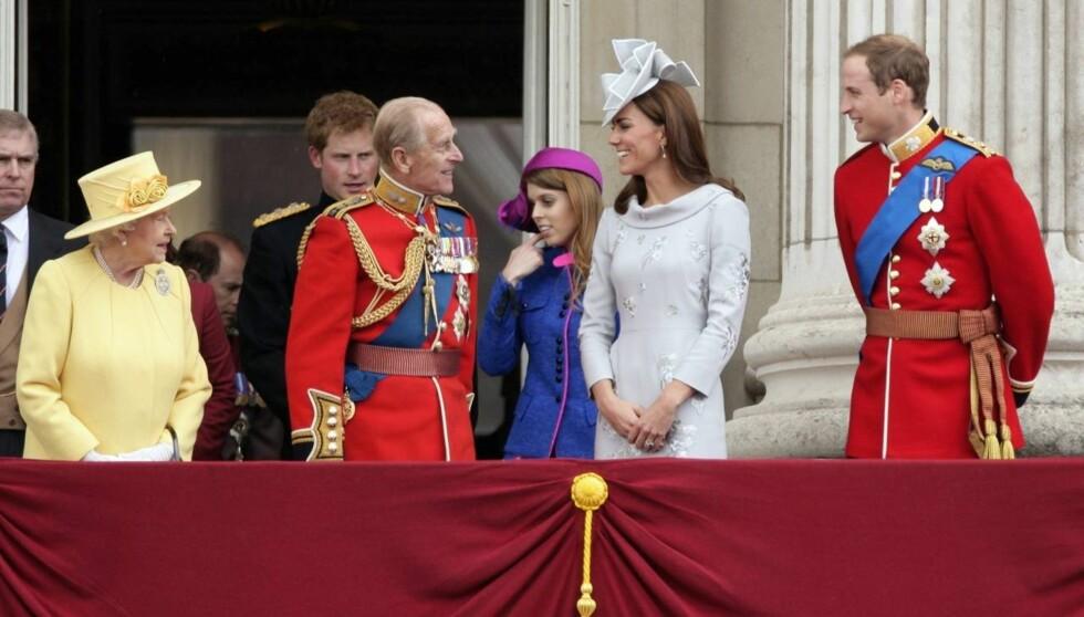 FAMILIEFORØKELSE: Hertuginne Kate og prins William gir dronning Elizabeth og prins Philip et nytt oldebarn - til stor glede for hele den royale familien. Foto: All Over Press