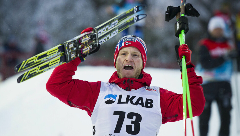 FRA FRYKT TIL FRYD: Langrennsløper Martin Johnsrud Sundby feiret lørdag friteknikk-seieren i verdenscupen i Gällivare i Sverige. Førsteplassen kom et drøyt år etter at han opplevde hjerteproblemer under en løpetur. Foto: Reuters