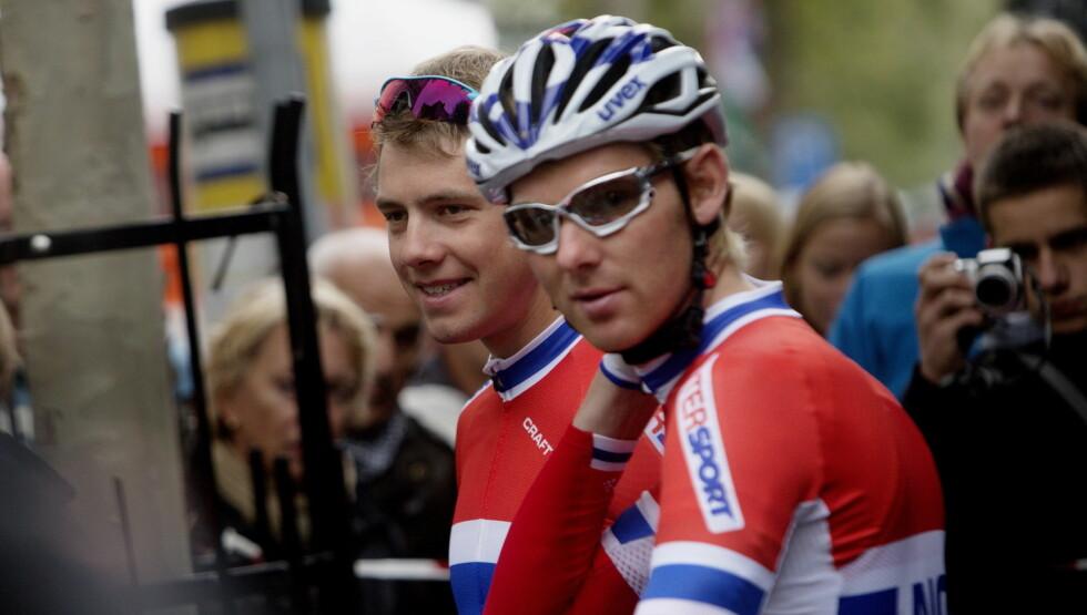 I NORSKE FARGER: Edvald Boasson Hagen og Gabriel Rasch før mennenes eliteritt i sykkel VM i Valkenberg. Foto: NTB scanpix